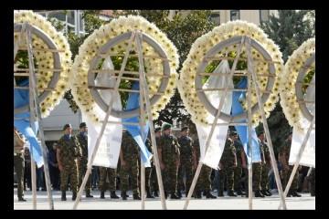 Σε κλίμα οδύνης ολοκληρώθηκαν οι κηδείες των τριών στρατιωτών