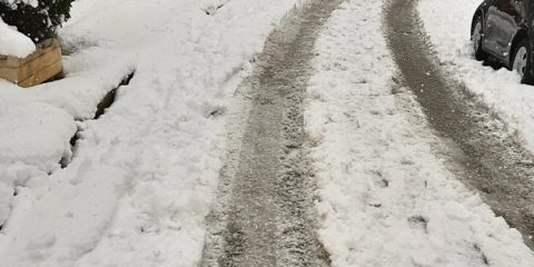 snow road glyfada